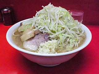 二郎 神田神保町店:小豚 麺固め・ニンニク