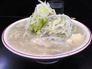 鶴見店:小豚・麺固め・ニンニク