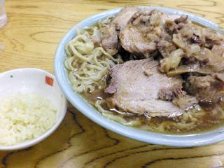 豚入りラーメン&国産ニンニク