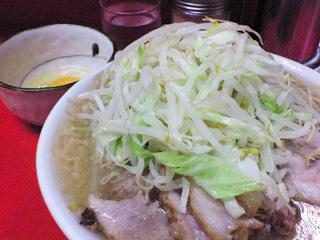 神田神保町店:小豚・麺固め&生卵