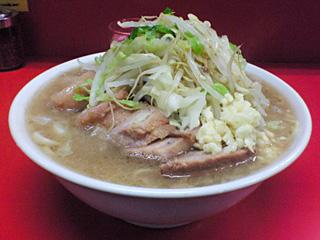 神田神保町店・小豚・麺固め・ニンニク・カラメ