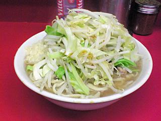 ラーメン二郎 桜台駅前店:小豚(麺固め・ニンニク・カラメ