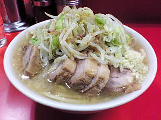 ラーメン二郎 神田神保町店・小豚・麺固め・ニンニク・カラメ