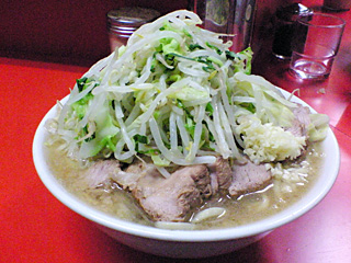 ラーメン二郎 神田神保町店:小豚(麺固め)・ニンニク