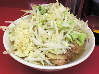 ラーメン二郎 桜台駅前店:小(麺固め)・ニンニクy・ヤサイ・カラメ&生卵