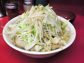 ラーメン二郎 桜台駅前店:小豚(麺かため)・ニンニク・ヤサイ・カラメ