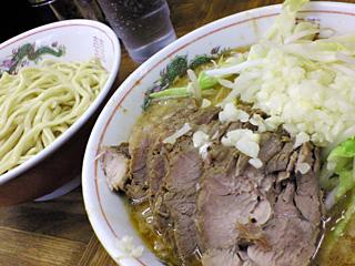 ラーメン二郎 新小金井街道店:小つけ麺豚入り・ニンニク