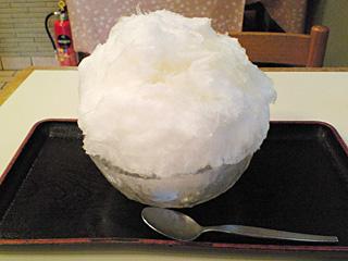 だるまや餅菓子店:天然氷かき氷(甘酒)