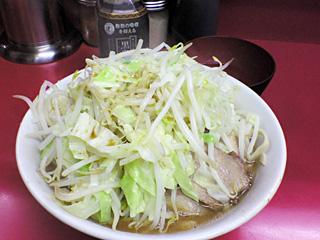 ラーメン二郎 桜台駅前店:小ラーメン(麺かため)・ニンニク・ヤサイ・カラメ&生卵