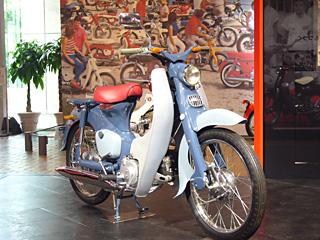 スーパーカブ C100