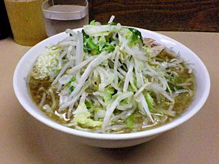京成大久保店:小豚・麺固め・ニンニク